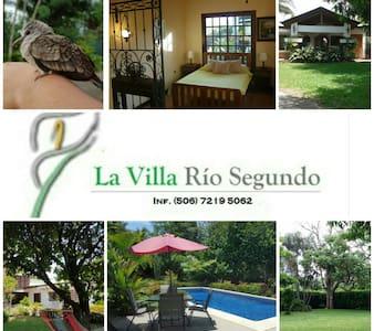 La Villa Casa de Campo - Alajuela