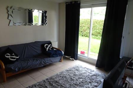 Canapé lit dans bel appartement proche centre vill - Pontarlier - Daire