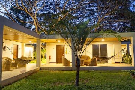 Little Paradise - Puerto Princesa - Bungalow