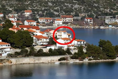 Studio flat near beach Poljica, Trogir (AS-6020-b) - Poljica