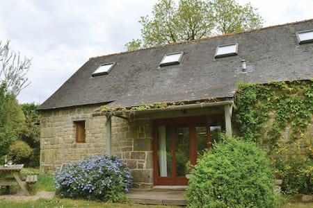3 Bedrooms Cottage in St Tugdual - Ev