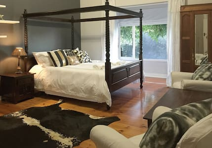 Stylish Home - House