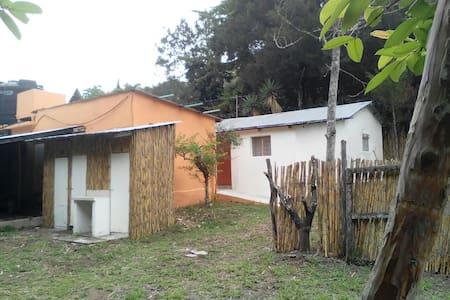 Casa Campestre: 3000 m2 y 60 m de rio! - House