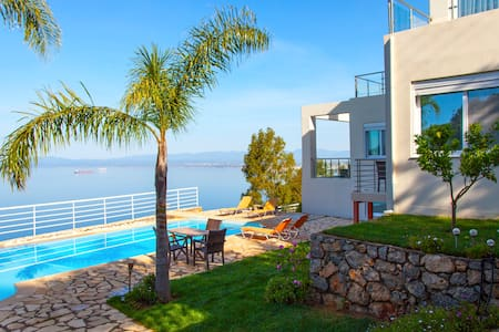 Amazing sea view villa in Kalamata - Paralia Vergas