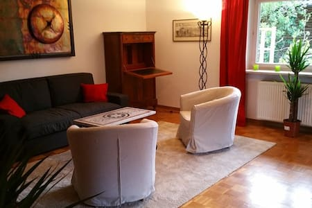 90qm ruhige Wohnung bis 6 P., südlich v. München - Wolfratshausen - Apartamento