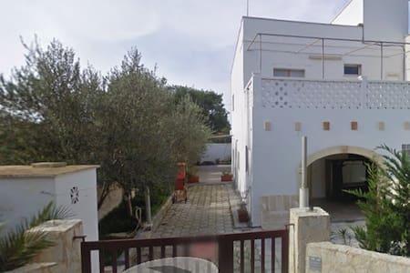 Splendida villetta nel Salento, 30 metri dal mare - Campomarino - Haus