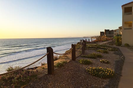 Beach, Del Mar Race Track, Live Music and Fitness! - Appartement