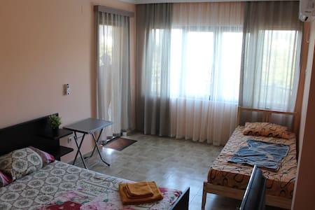 номер в SVHotel Batumi (room N 2) - Hus