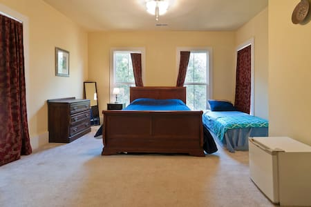 Quaint Room & Private Bath on Second Floor - Chattanooga - House