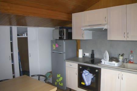 Appartement indépendant dans maison - Wohnung