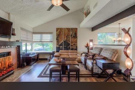 Large QUIET home. *2 masters 3 Bed/3 Bath *Garage - Haus