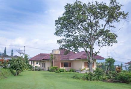 Villa Mataram, Puncak, Cipanas - Cipanas - Villa