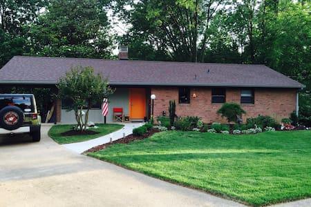 Casa Springfield - West Springfield - Maison