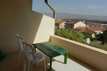 invite here! space &  amazing view - Qiryat Shemona - Pis