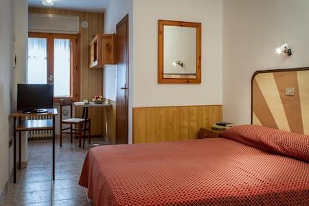 Monolocale per 2 persone - Antey-Saint-Andrè - Apartamento
