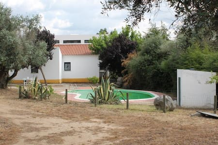 Independent villa with pool