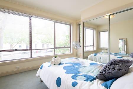 Central, convenient and spacious apartment - Appartamento