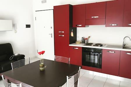 Appartamento luminoso e accogliente - Wohnung