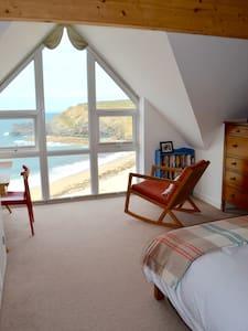 Beachside sea view lux ensuite, Portreath Cornwall - Portreath - Rumah