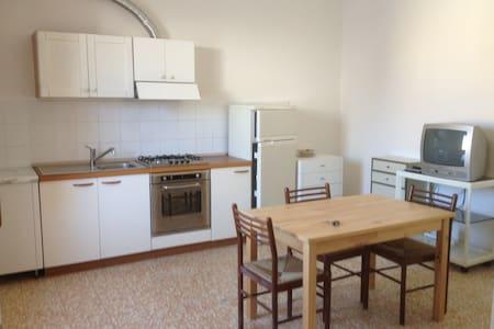 Appartamento a Ponsacco - Lejlighed