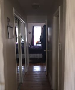 1 Bdrm Bohemian Brownstown - Brooklyn - Appartamento