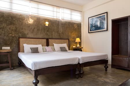 Rooftop Alcove-Niyati Boutique stay - Bed & Breakfast