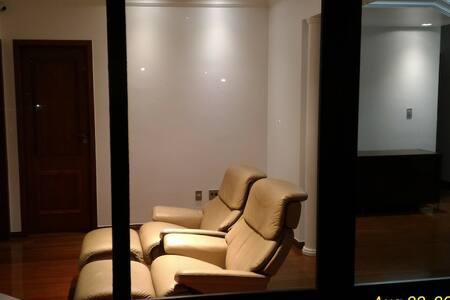Apto SAVASSI com 200m2 **EXCLUSIVO para 2 pessoa** - Belo Horizonte - Apartamento