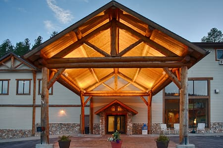 The Lodge at Mount Rushmore - Bed & Breakfast