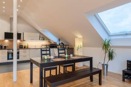 Beautiful loft in quiet area close to city center - München