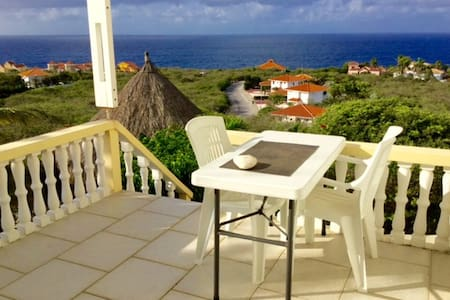 Luscious garden and seaview room - Willemstad - Casa