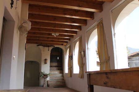 B&B La Loggia Carvanno di Vobarno. - Bed & Breakfast