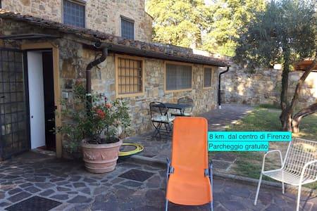 Villetta Gabriella, 8 km. dal centro di Firenze. - Apartment