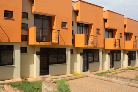 House 100 Kensington Heights Kyanja - Apartment