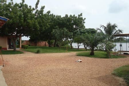 Paradise at the Volta River - Bungalo