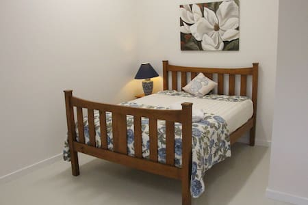 Four Hills Farm guest house- peaceful & convenient - Mandalong - Guesthouse