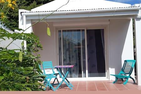 Privat studio near Sunset Beachbar - Simpson Bay - Blockhütte