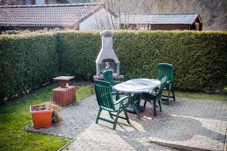 Gemütliche Wohnung in Waldnähe - Pis