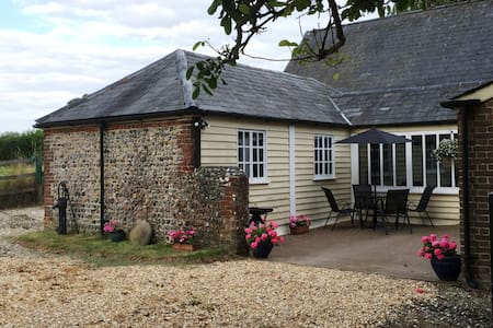 Luxurious Self Catering Cottage - Casa