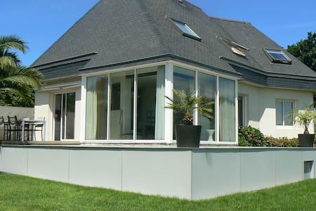 top 20 sizun vacation rentals vacation homes condo. Black Bedroom Furniture Sets. Home Design Ideas