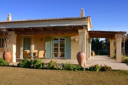 "Villa ""Aktea"" at ""AlieisEstate"" - Porto Cheli - Willa"