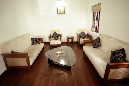 Luxury Serviced Villa in Kochi B&B with 4 rooms - Kochi - Bed & Breakfast