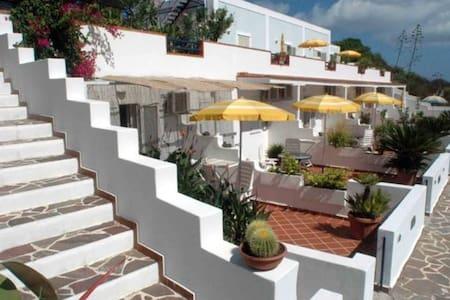 Villa Flavia B&b - Ponza - Bed & Breakfast