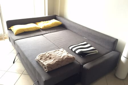 IKEA sofabed,between City & Airport - Apartment