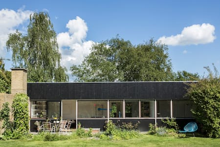 60ies villa close by lake - Hus