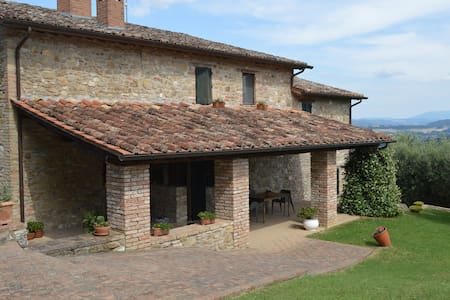 Antique Villa with Pool & breathtaking views - Perugia - Villa