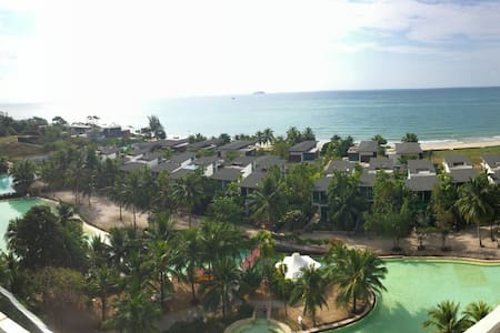 5-Star Beach Front Resort - Condominio