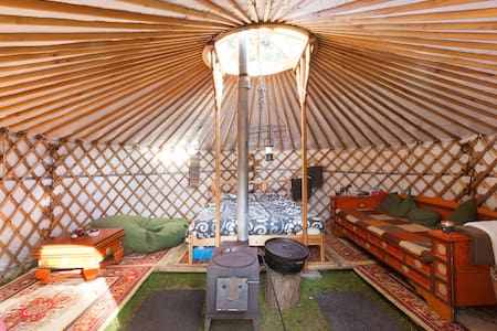 Yurt on quiet camping in the Woods - Yurt