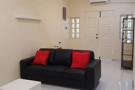 32 Comfort Homestay - Gelugor