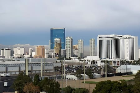 High Rise View, 1 mile from Strip