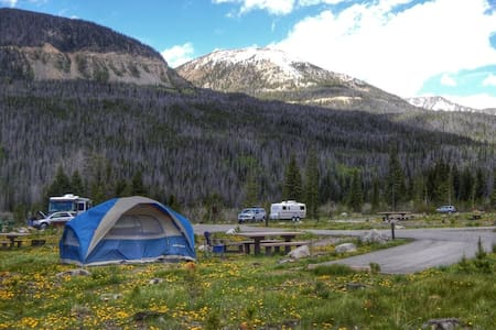 Camp in the Rocky Mountains! - Loveland - Tent